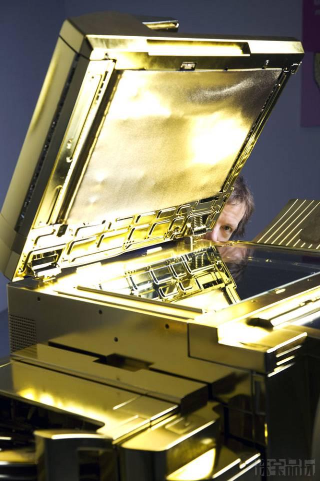 Yogi Proctor:黄金佳能复印机-珠宝首饰展示图【行业经典】