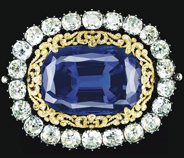 珠宝拍卖场上的顶级珠宝-珠宝首饰展示图【行业经典】