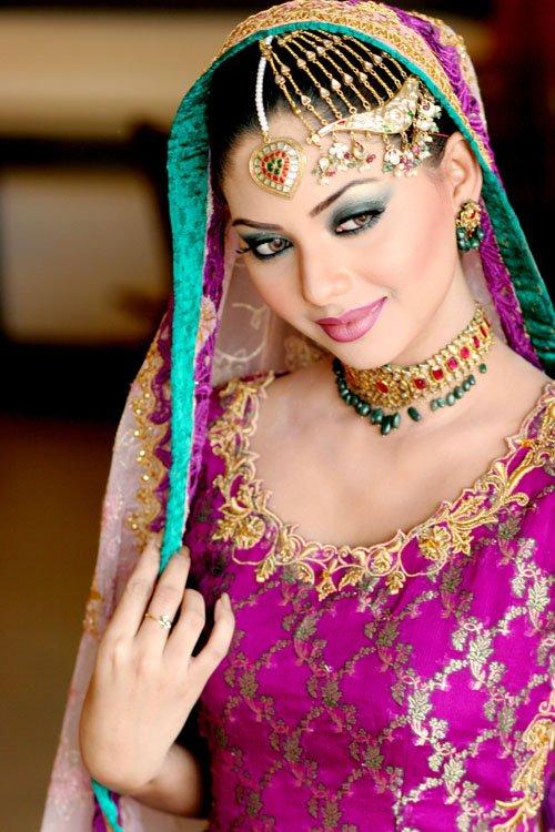 印度新娘的奢华珠宝(一)-珠宝首饰展示图【行业经典】