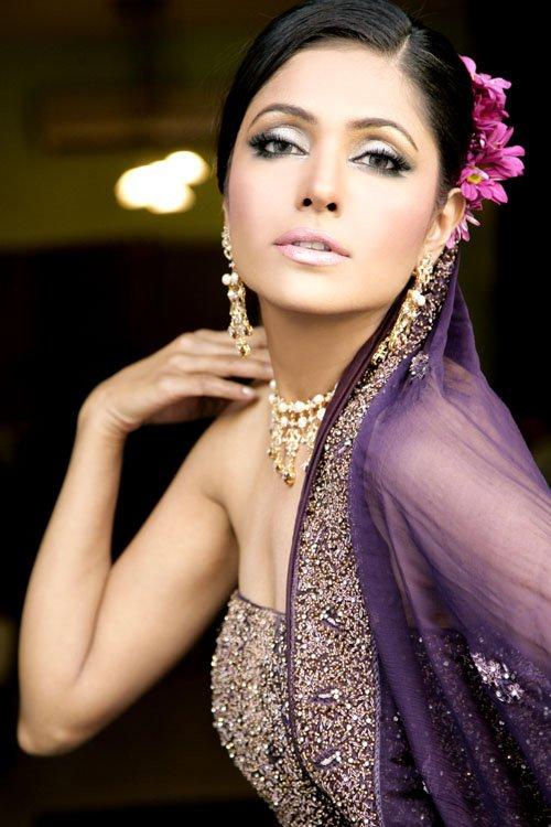 印度新娘的奢华珠宝(二)-珠宝首饰展示图【行业经典】