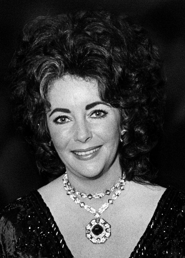 伊丽莎白泰勒的见证爱情的珠宝情史BVLGARI,Cartier…-珠宝首饰展示图【行业经典】