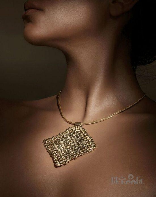 ALEXANDRA KOUMBA:不造作的纯粹之美
