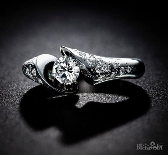 钻石婚戒:见证最纯净的爱情