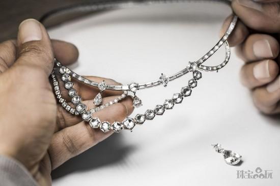 Dior:用珠宝重现凡尔赛宫昔日奢华-精美珠宝【秘密:适合高贵女人的珠宝】