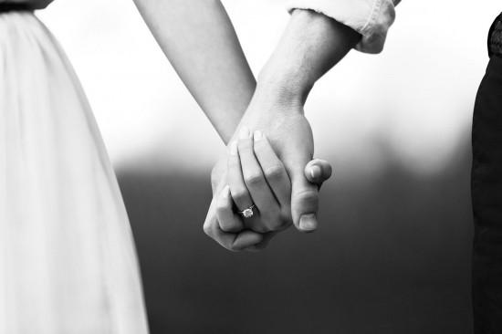 情侣首饰甄选:永恒爱记忆——戴比尔斯(De Beers)-精美珠宝【秘密:适合高贵女人的珠宝】