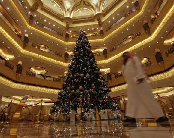 世界上最昂贵的钻石圣诞树-珠宝首饰展示图【行业经典】