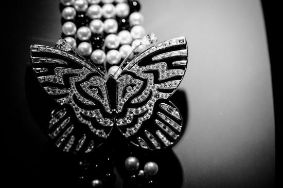 梵克雅宝(Van Cleef & Arpels):珠宝如女人-精美珠宝【秘密:适合高贵女人的珠宝】