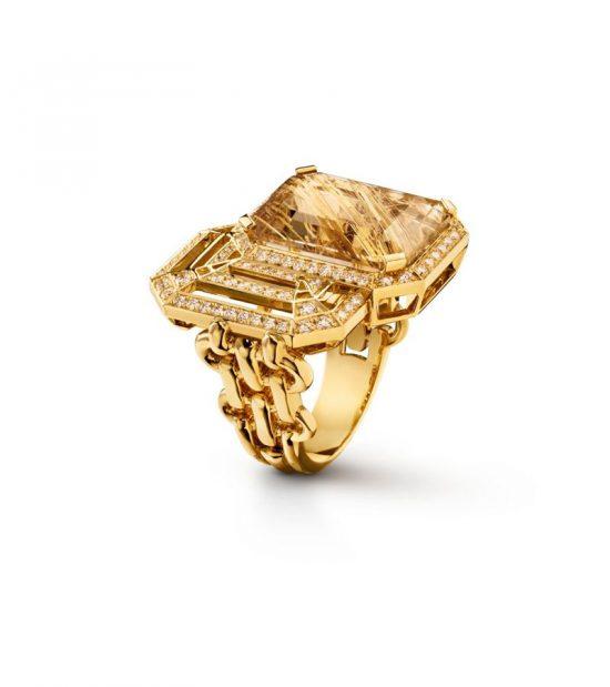 香奈儿经典招牌2.55包、菱格纹、芳登广场的八角形状变身珠宝-珠宝首饰展示图【行业经典】