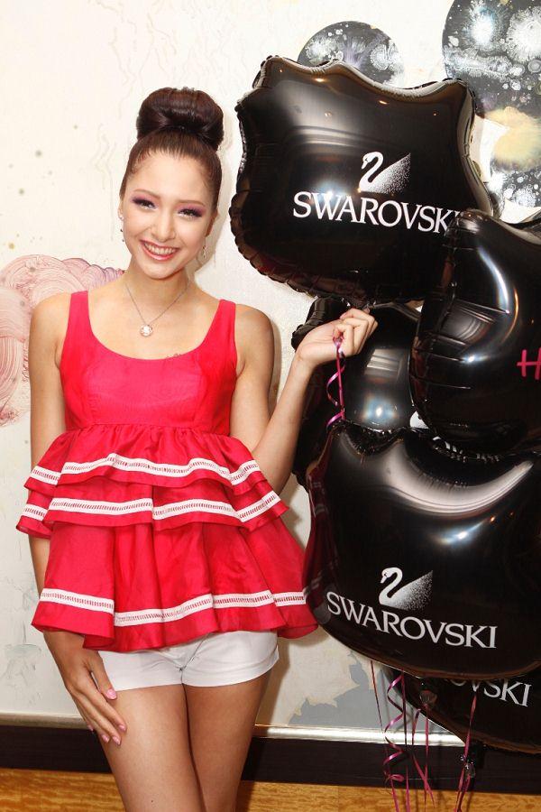 美女云集 Swarovski首个Hello Kitty系列闪亮登场-珠宝首饰展示【行业精选】