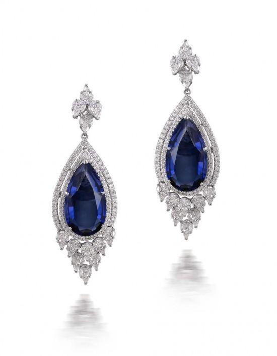 坦桑石(Tanzanite):奢华之蓝