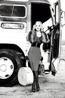 性感宝贝Amber Heard出演GUESS2011秋冬形象广告-时尚珠宝设计【行业顶级】