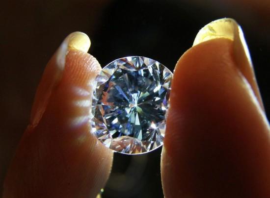 世界最大圆形鲜彩蓝钻:The Premier Blue-珠宝首饰展示图【行业经典】