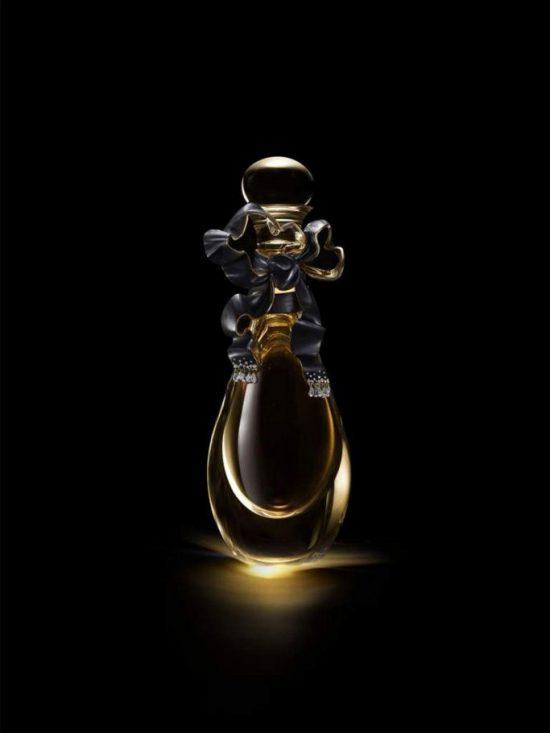 Dior用高级珠宝工艺打造典藏版真我香水