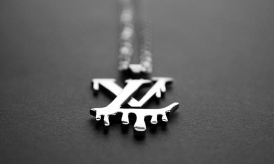 """Louis Vuitton Must Die""项链-珠宝首饰展示图【行业经典】"