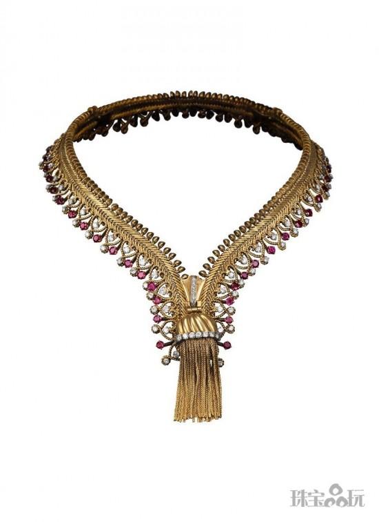 梵克雅宝的珠宝艺术:时装订制服