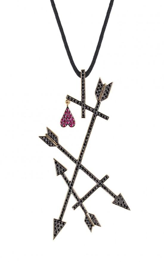 Elena Votsi:玩味珠宝戴上身