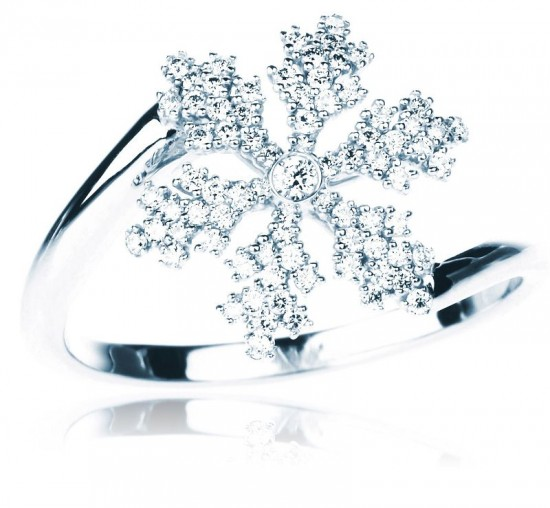 雪花珠宝奏响圣诞礼赞