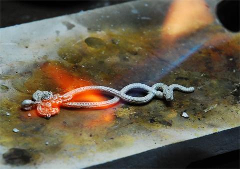 珠宝首饰制作流程—清洗