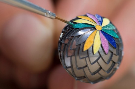 色彩斑斓 爱马仕Pendentif Boule珐琅球形吊坠时计-珠宝首饰展示图【行业经典】