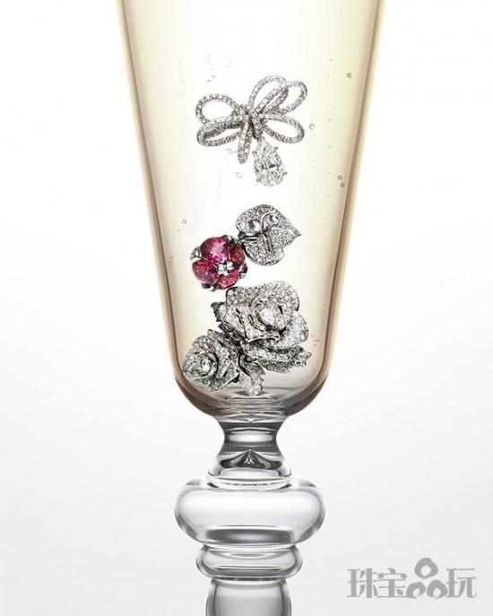 香槟酒杯中的幸福-珠宝首饰展示图【行业经典】