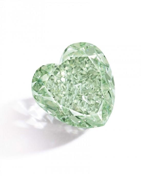 重达4.09克拉的心形浓彩绿钻