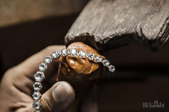 Dior:用珠宝重现凡尔赛宫昔日奢华