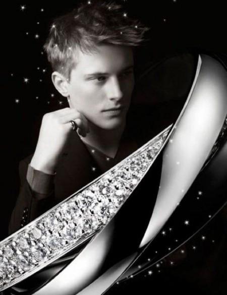 """卡地亚(Cartier)Trinity""""月之采与铂金""""系列-珠宝首饰展示【行业精选】"""
