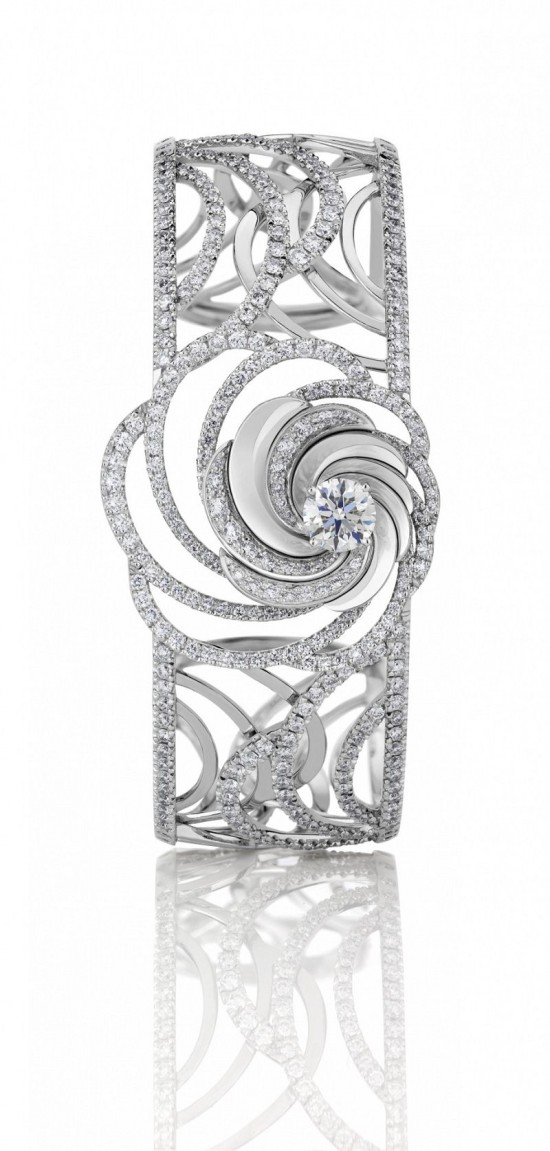 De Beers Aria:光影幻境-精美珠宝【秘密:适合高贵女人的珠宝】