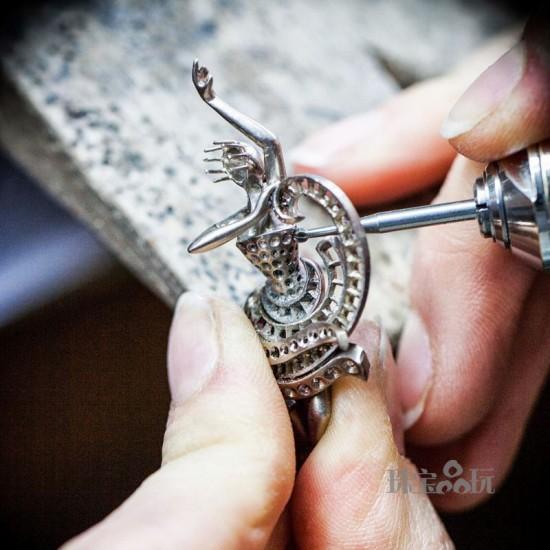 Van Cleef & Arpels:芭蕾舞伶诞生记-精美珠宝【秘密:适合高贵女人的珠宝】