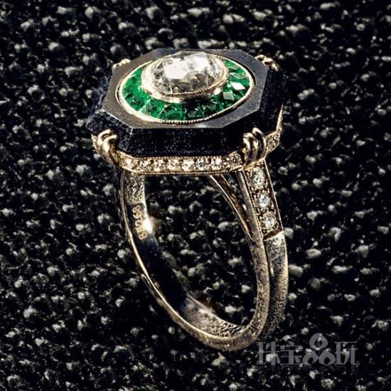 魅力慑人的祖母绿珠宝