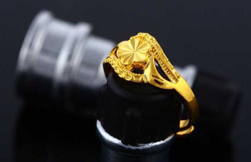 黄金首饰的清洗和保养要注意哪些呢