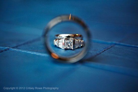 定格幸福瞬间!与众不同的创意婚戒摄影
