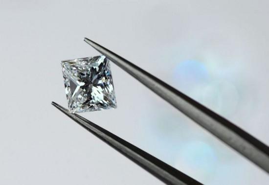 Lili Diamonds:指尖上的工艺-品牌感人故事