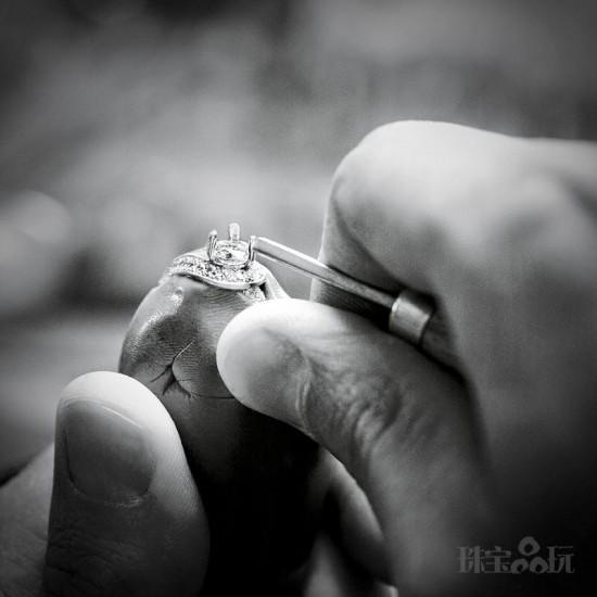 情侣首饰甄选:至甄之爱——梵克雅宝(Van Cleef & Arpels)-精美珠宝【秘密:适合高贵女