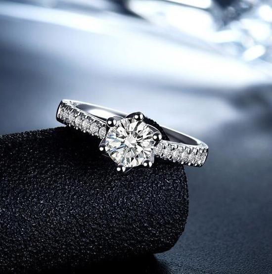 检验假钻石的方法有哪些?