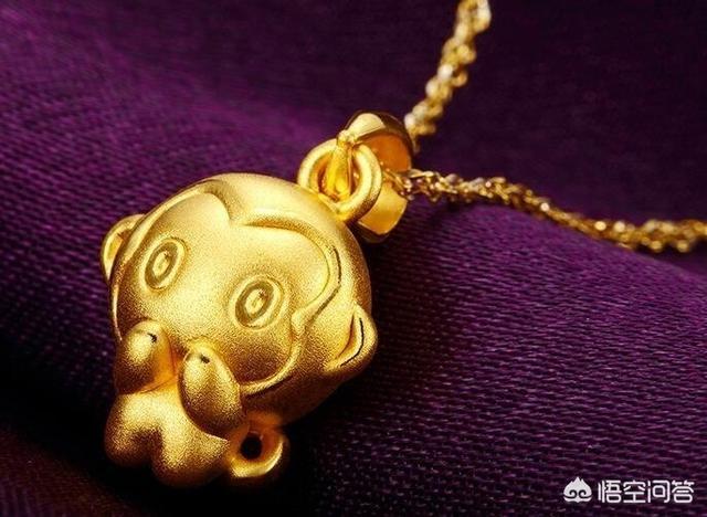 项链吊坠黄金的会俗气吗?黄金项链吊坠搭配