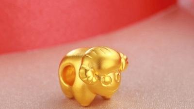 黄金首饰网黄金生肖吊坠款式和首饰保养方法