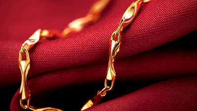 女款黄金项链的挑选细节决定气质