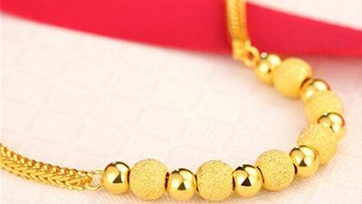新款黄金手链精致呈现