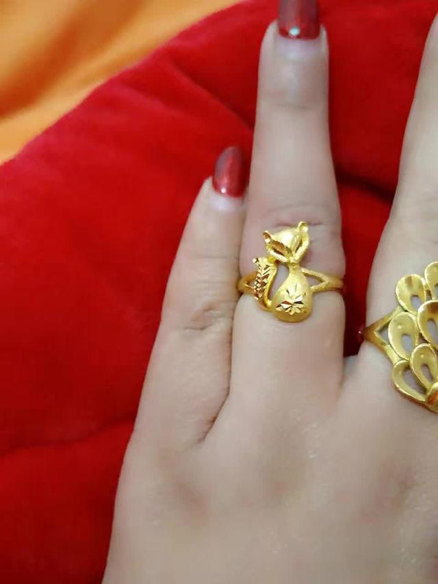 结婚有2万块钱,是买钻戒还是买黄金戒指