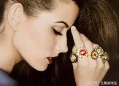 黄金戒指跟钻戒戴一起【戒指叠戴的魅力】