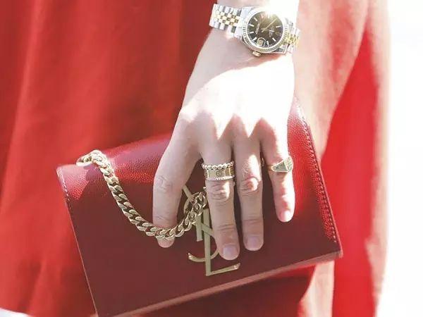 K黄戒指配金色链条包