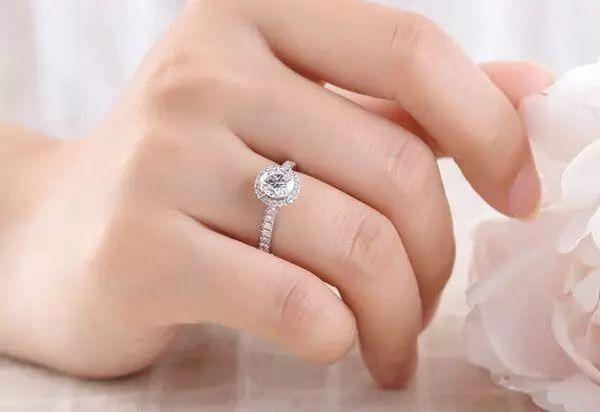 适合手型比较方的戒指