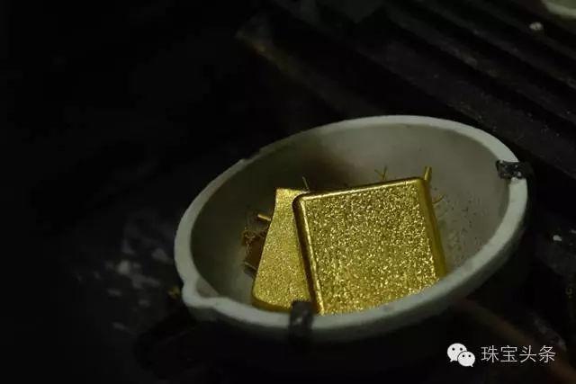 黄金首饰加工流程:进行高温加热