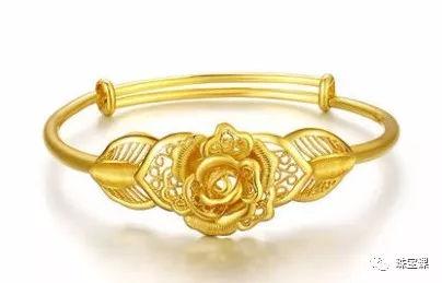 黄金手镯花纹寓意: 玫瑰花手镯