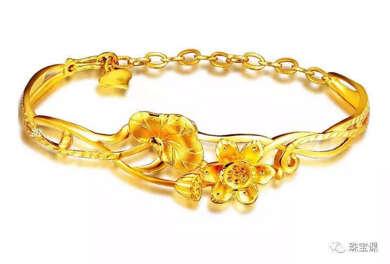 黄金手镯花纹寓意:莲花手镯