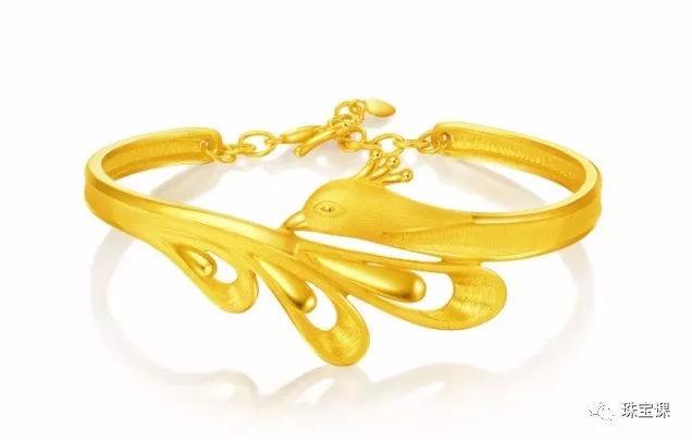 黄金手镯花纹寓意:孔雀手镯