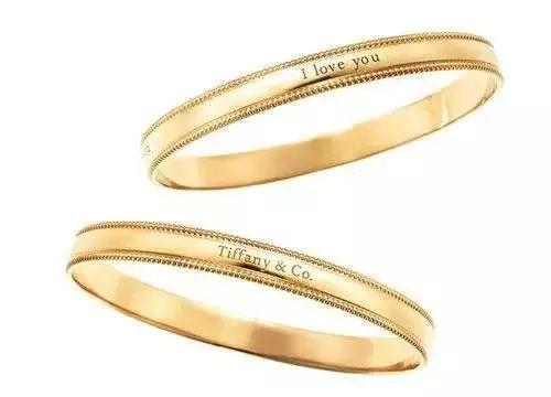 Tiffany yours系列的黄金手镯则是闭口