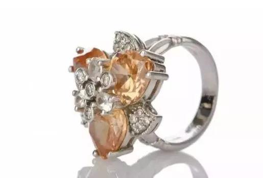 黄金、钻石、珠宝到底选哪个?要保值还是要美观?