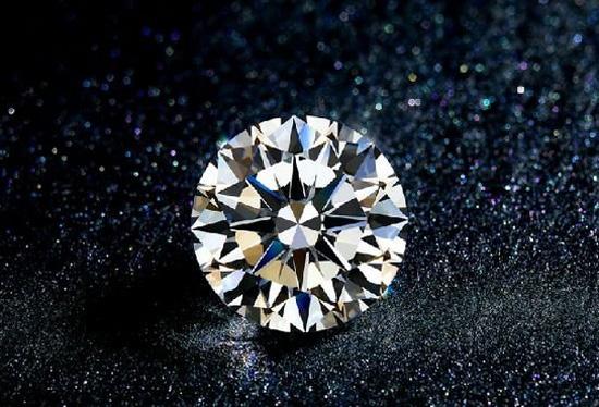 人造钻石来势汹汹 钻石还有价值吗?